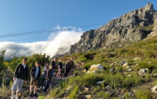 guiding hiking tours up indian venster table mountain