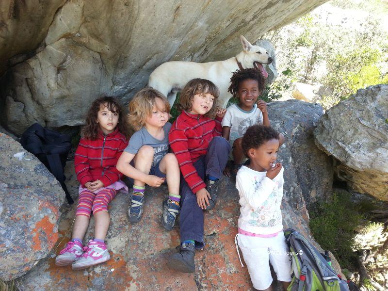 kids-hiking-kalk-bay-cave-entrance