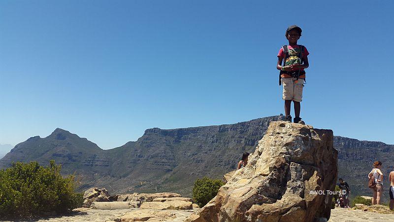 kids-hiking-lions-head